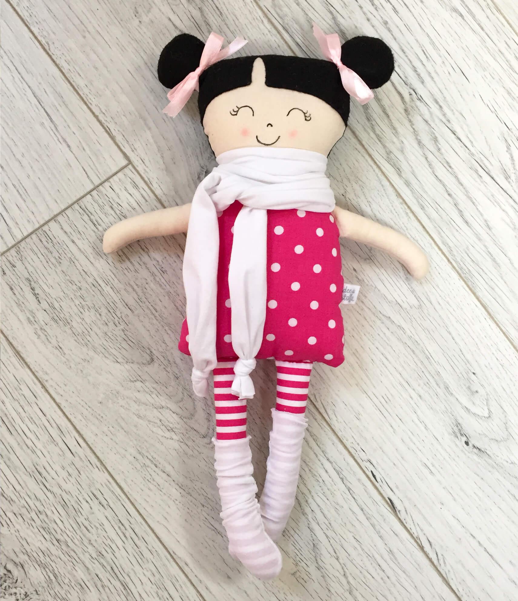bambola stoffa cucita a mano